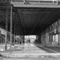 Opere incompiue: edificio in bianco e nero abbandonato