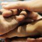 Gestire relazione Open&Go Build: diversi mani sovrapposte in segno di accordo raggiunto
